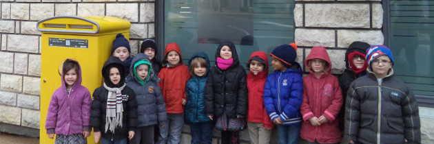 Les élèves visitent la Poste