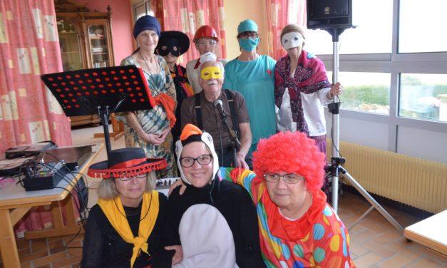 Après midi carnaval à la maison de retraite