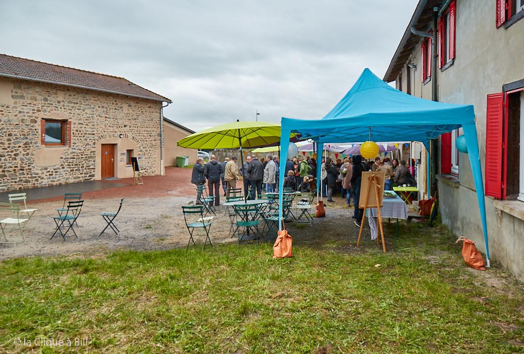 La Ferme de la CoPLER à Neulise aux Jacquins. Inauguration et spectacle de Steve Waring.