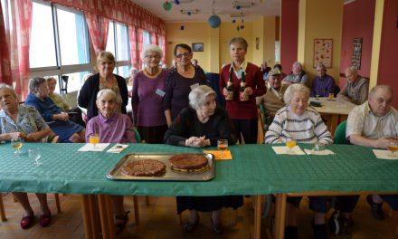 Anniversaires à la maison de retraite