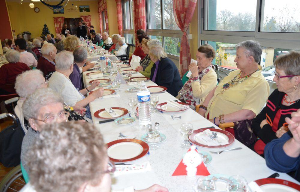 Repas de Noël à la maison de retraite